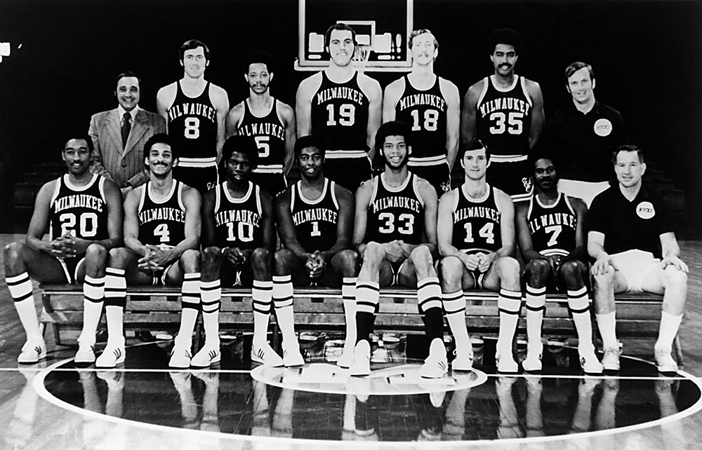 Milwaukee Bucks 1970-71 Team Photo