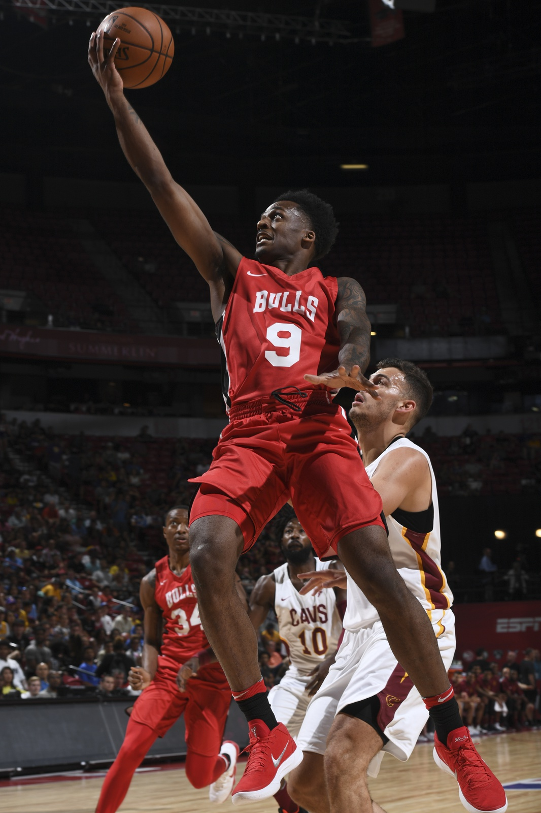 Blakney lays a basket against the Cleveland Cavaliers during the 2018 Las Vegas Summer League
