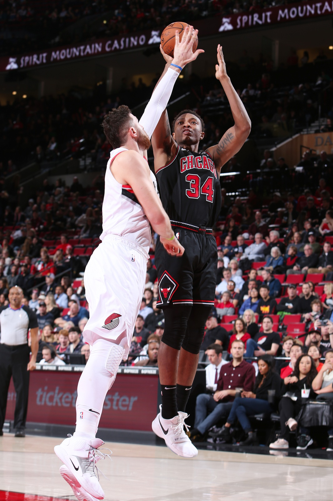 Wendell Carter Jr. #34 of the Chicago Bulls handles the ball against the Portland Trail Blazers on January 9, 2019 at the Moda Center Arena in Portland, Oregon.
