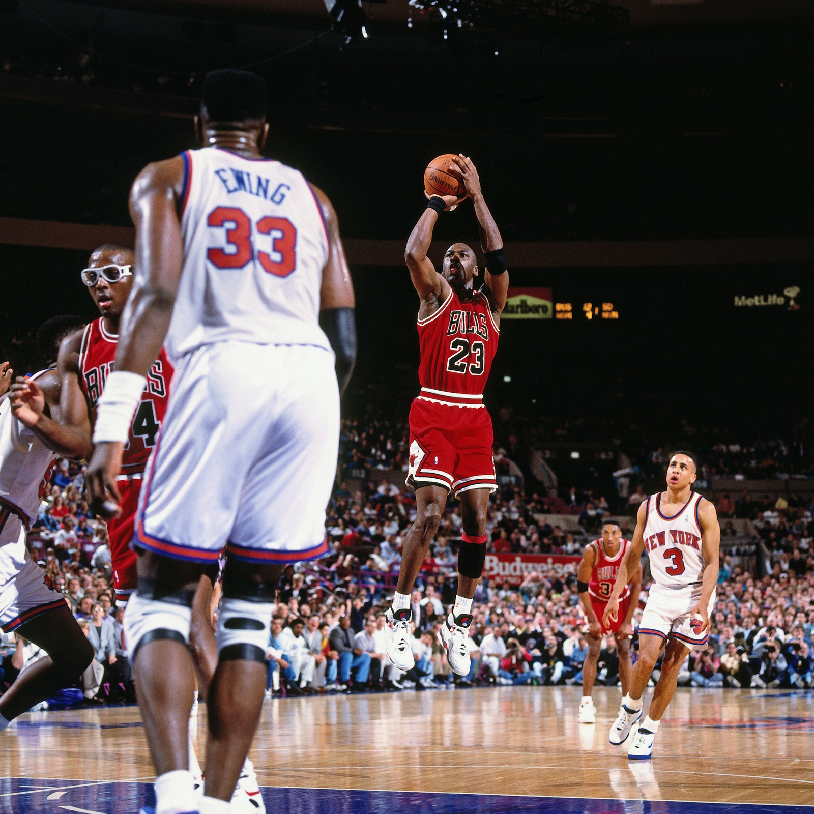 Michael Jordan #23 of the Chicago Bulls shoots against the New York Knicks circa 1991 at Madison Square Garden in New York.