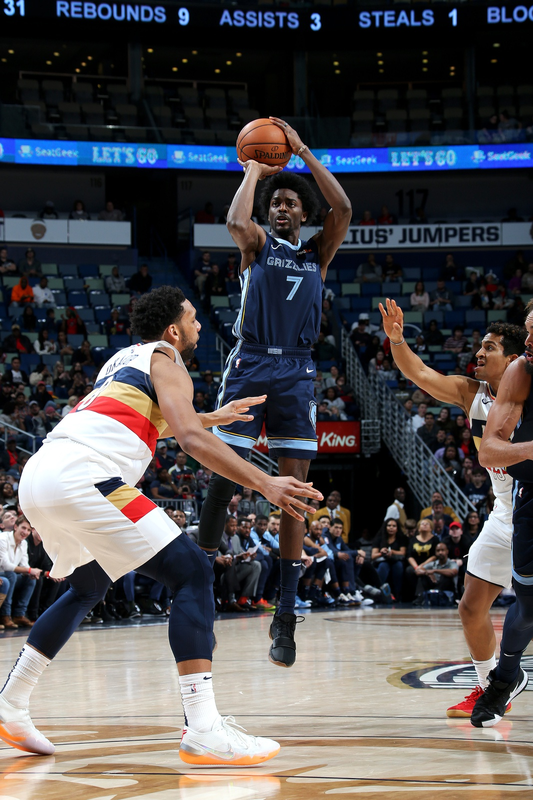 Justin Holiday #7 of the Memphis Grizzlies shoots the ball against the New Orleans Pelicans on January 7, 2019 at the Smoothie King Center in New Orleans, Louisiana.