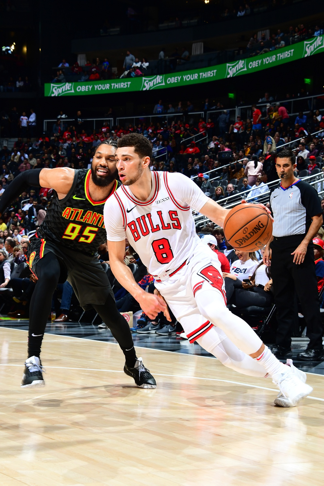 Zach LaVine #8 of the Chicago Bulls drives to the basket against the Atlanta Hawks on March 1, 2019 at State Farm Arena in Atlanta, Georgia.