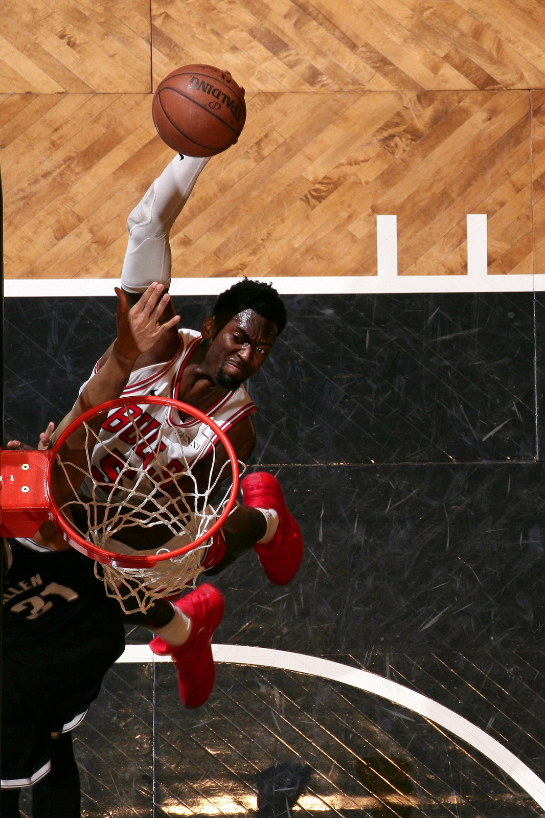 Bobby Portis #5 of the Chicago Bulls dunks the ball against the Brooklyn Nets on January 29, 2019 at Barclays Center in Brooklyn, New York.