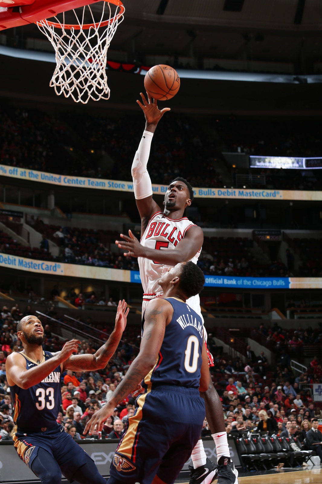 Bobby Portis #5 of the Chicago Bulls shoots the ball against the New Orleans Pelicans during a pre-season game on September 30, 2018 at the United Center in Chicago, Illinois.