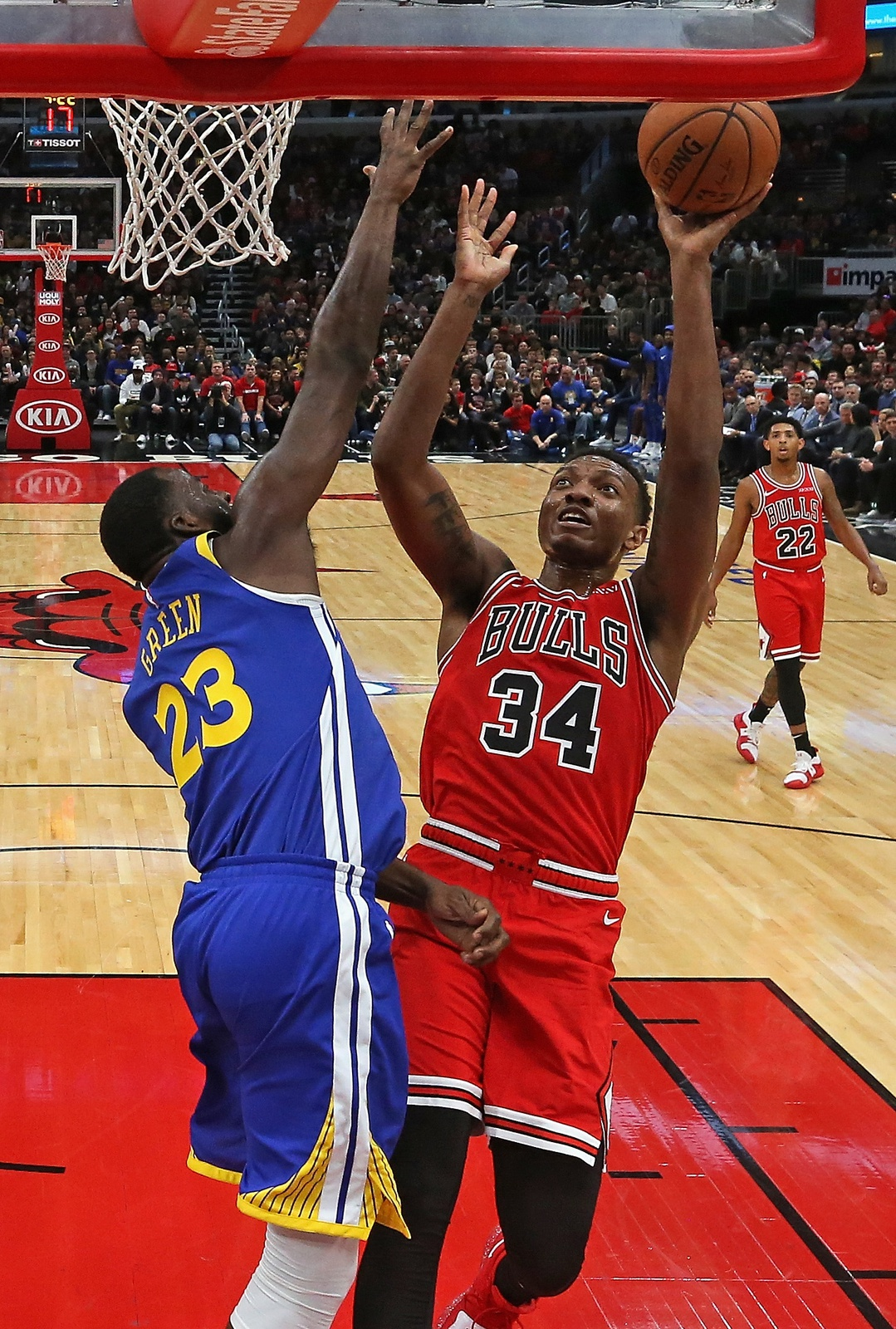 3b2293a95ef7 Wendell Carter Jr.  34 of the Chicago Bulls puts up a shot against Draymond