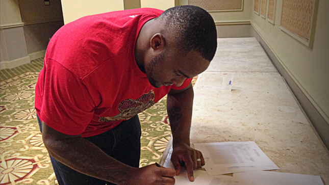Davis signs with the Clippers