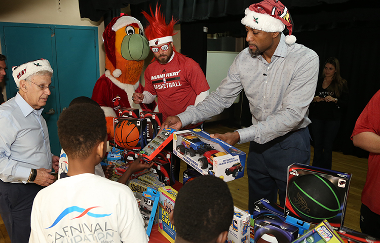 Larry Share & HEAT Academy Toy Giveaway