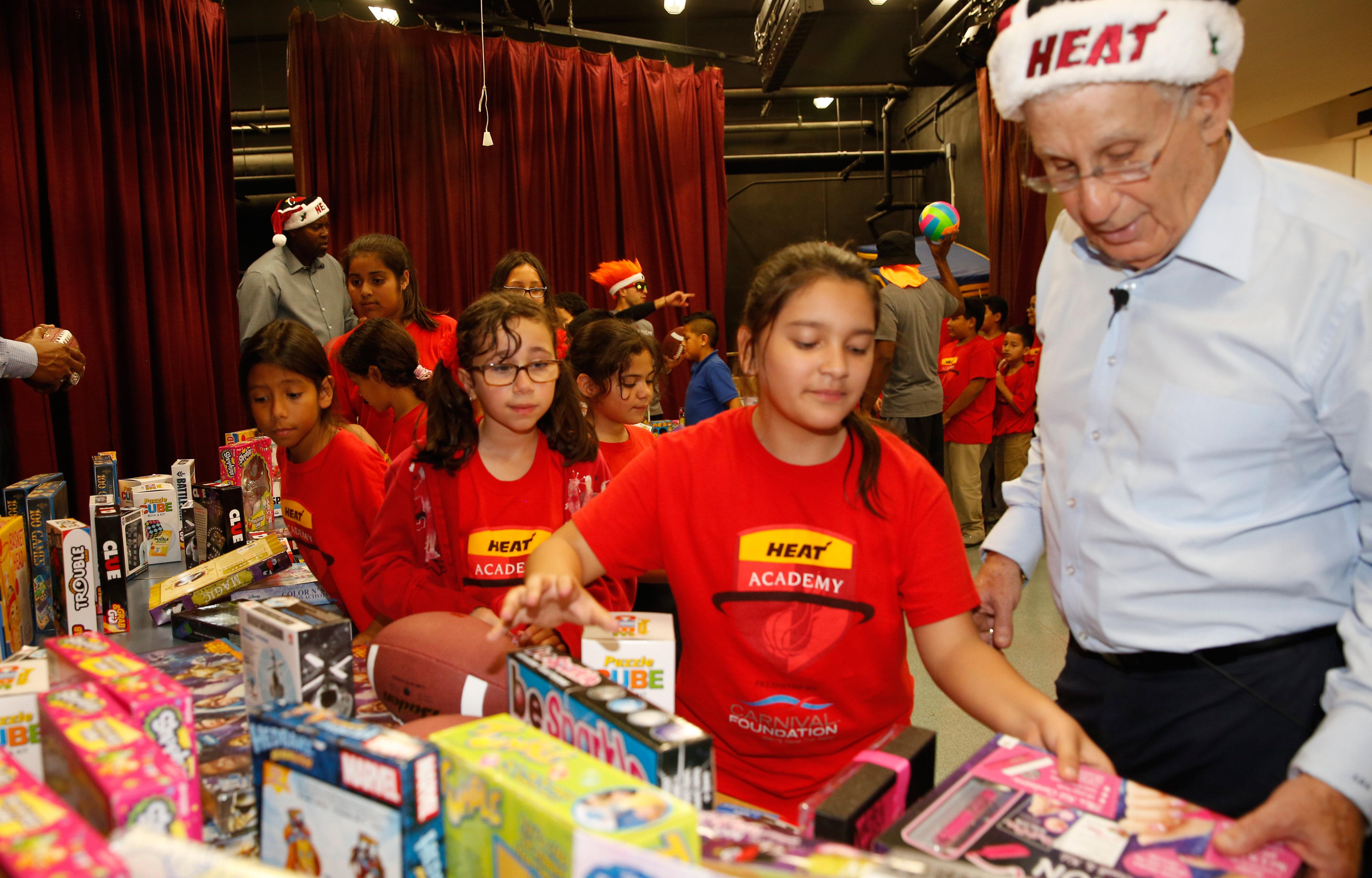 16-17 HEAT Academy Larry Share Toy Giveaway