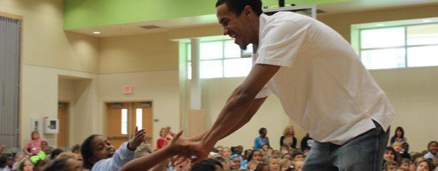 Roberts Joins Students for Reading Rally at Henry Mayfield Elementary