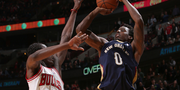 Al-Farouq Aminu shoots a jumper against the Chicago Bulls