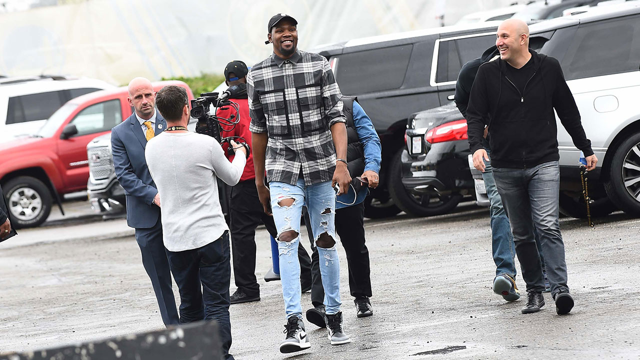 Image result for kevin durant street clothes