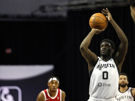 Rockets Sign Khyri Thomas to 10-Day Contract