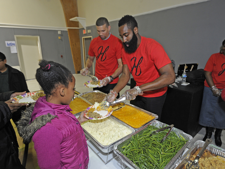 Rockets Give Back: Thanksgiving Dinner