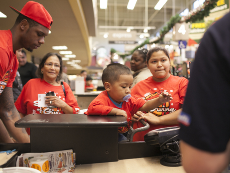 Season of Giving presented by ZTE - Thanksgiving Target Hunger