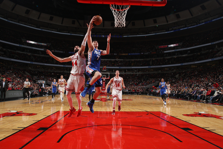 TJ McConnell scores 13 points in 76ers loss