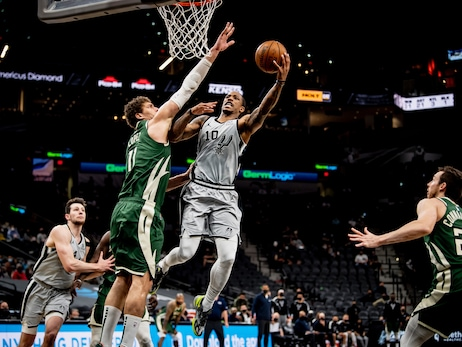 Photos: Spurs vs. Bucks 5/10