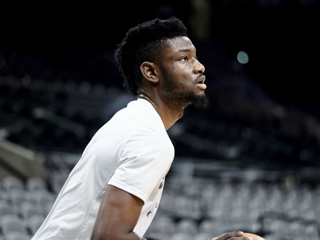 SAN ANTONIO ASSIGNS CHIMEZIE METU TO AUSTIN SPURS