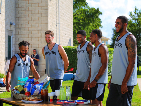 H-E-B's San Antonio Spurs commercials tip off regular season with laughs