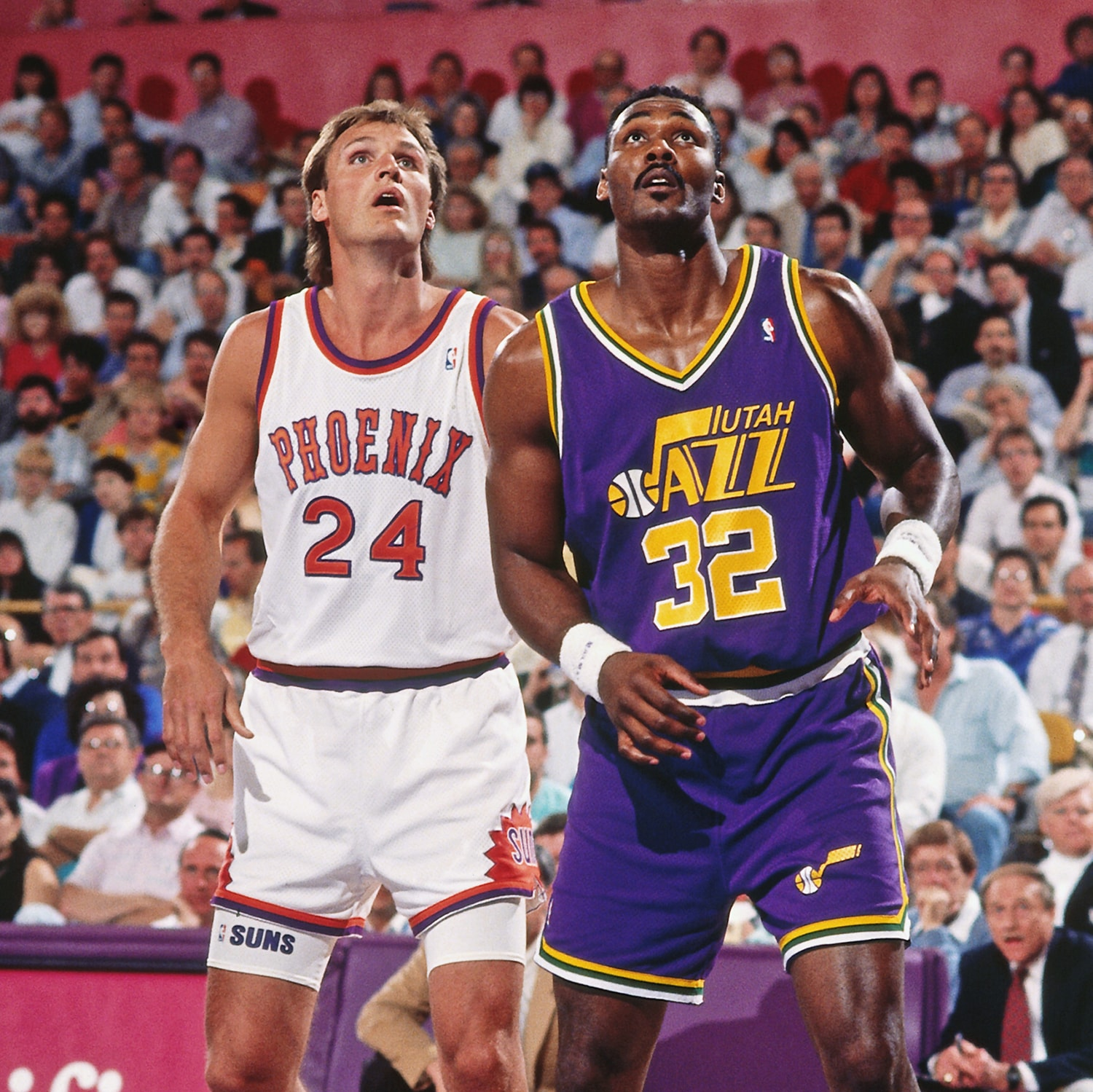 9512171830a6 The western font jerseys lasted for 19 seasons. (Getty Images )