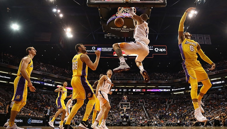 Chandler-lakers-dunk