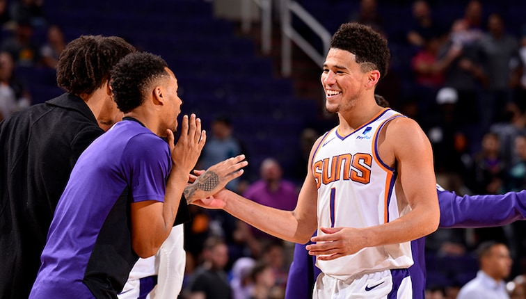 Full Team Effort Guides Suns To Victory Over Cavaliers Phoenix Suns
