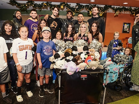 Suns Spread Joy During Holiday Season at Phoenix Children's Hospital