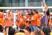 SUNS: Suns 2010 Playoff Rally
