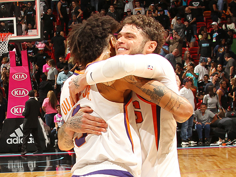 Suns Battle Together in Comeback Victory Over Heat