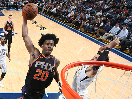 Jackson Scores Career-High as Suns Defeat Grizzlies