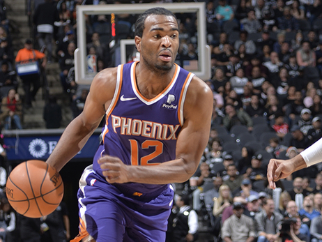 T.J. Warren Scores 23 Points in Suns Loss to Spurs