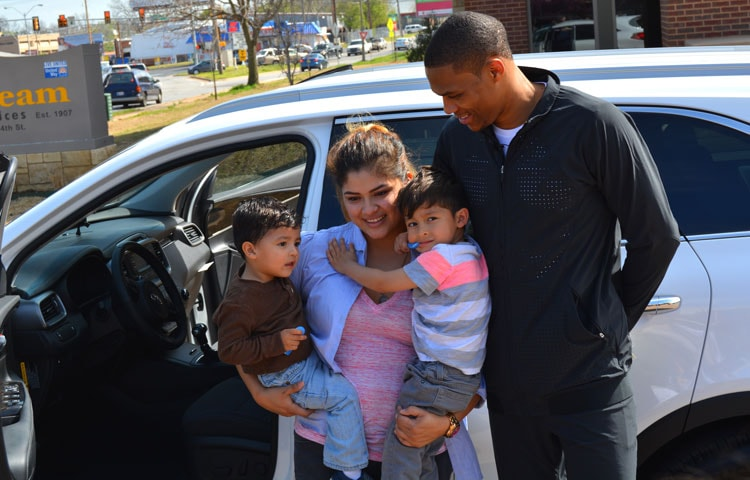 Russell Westbrook Cars >> Westbrook Surprises Oklahoma City Mother With Car Oklahoma