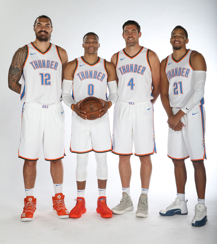 ¿Cuánto mide Russell Westbrook? - Estatura real: 1,91 - Real height Lm_11_775046147_thunder_media_day_0448