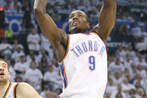 THUNDER: Photo Gallery -- Game 4, Thunder vs. Lakers