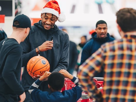 Timberwolves Holiday Shopping For Kids Event Puts A Smile On The Face Of Everyone Involved