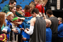 Photos: Wolves Signing Autographs - 1
