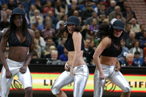 Timberwolves Dancers 90's Night - 1