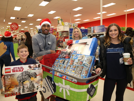 Gallery | 2018-19 Timberwolves Holiday Shopping For Kids Event