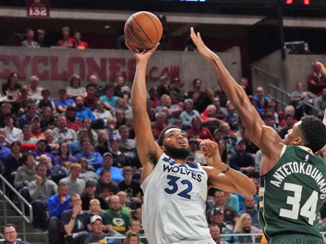 Towns Puts Up 33 In Preseason Loss To Bucks In Iowa