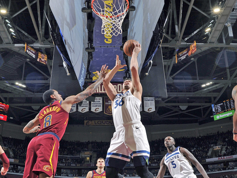 Wolves Make It 3 Straight With Win Over Cavs