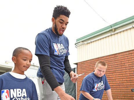 Towns Gives Back During All-Star Break