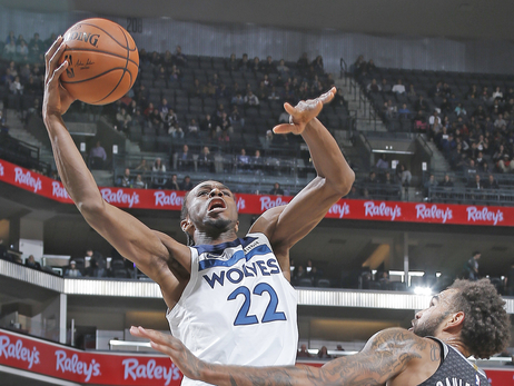 Wiggins Continues Hot Streak, Another 20-Point Game