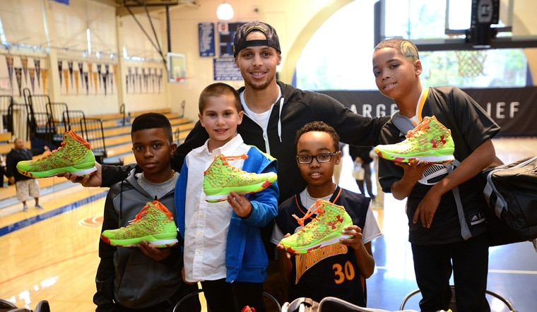 Stephen Curry Andrew Bogut Host Make A Wish Youth For Warriors Wish