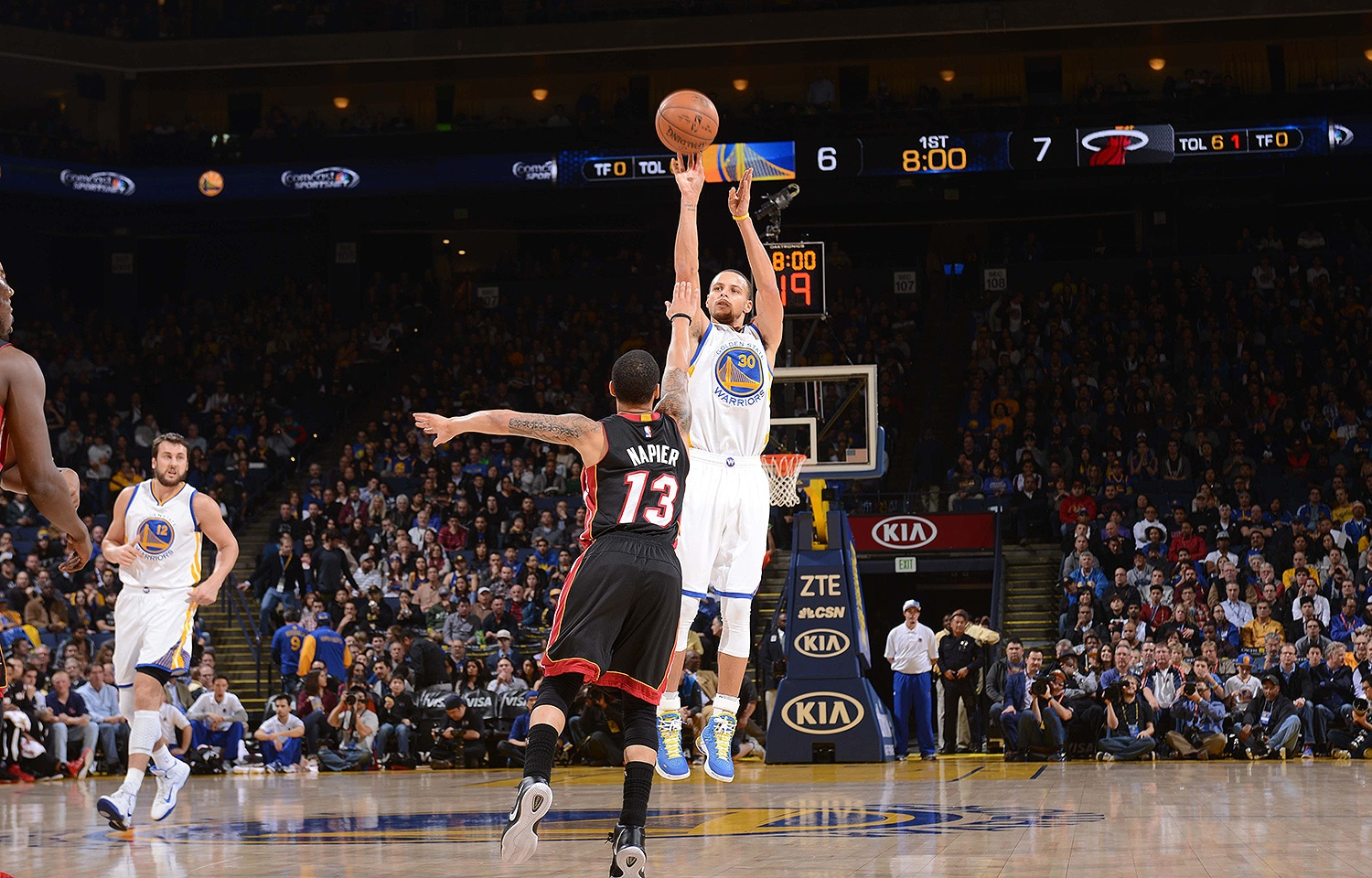 Curry's Splashes Sink the Heat | Golden State Warriors