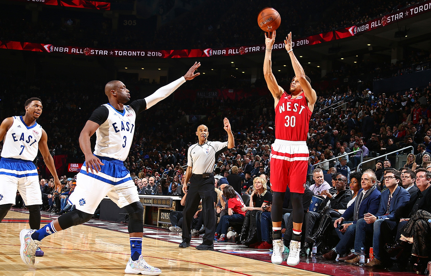 designer fashion 1aa5d aa7f7 Curry Splashes and Smashes as West Win All-Star Game ...