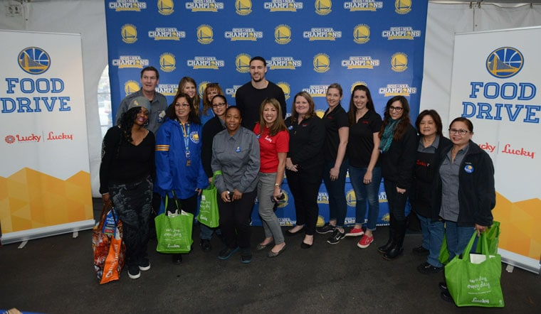 guards shaun livingston and klay thompson team up with