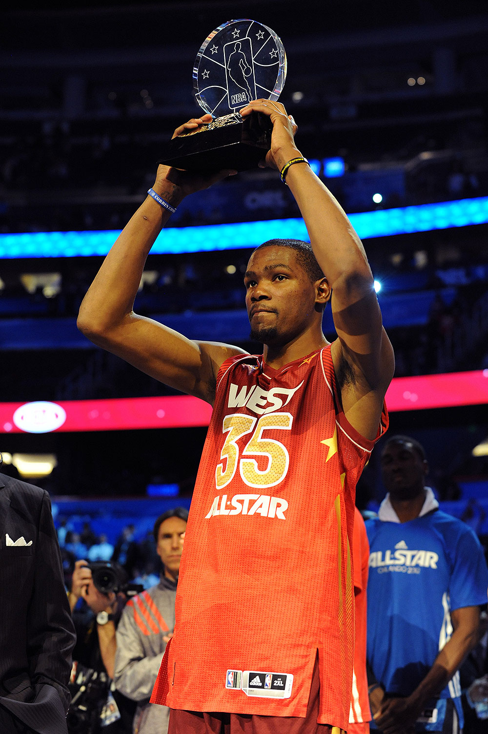 2ce8241567e4 Durant led the Western Conference all-star team in scoring with 36-points en