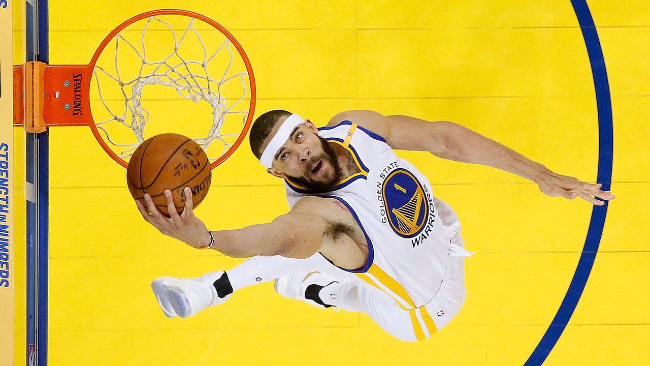 Warriors Re-Sign Center JaVale McGee