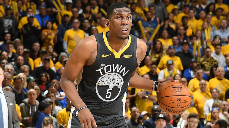 Warriors Re-Sign Kevon Looney