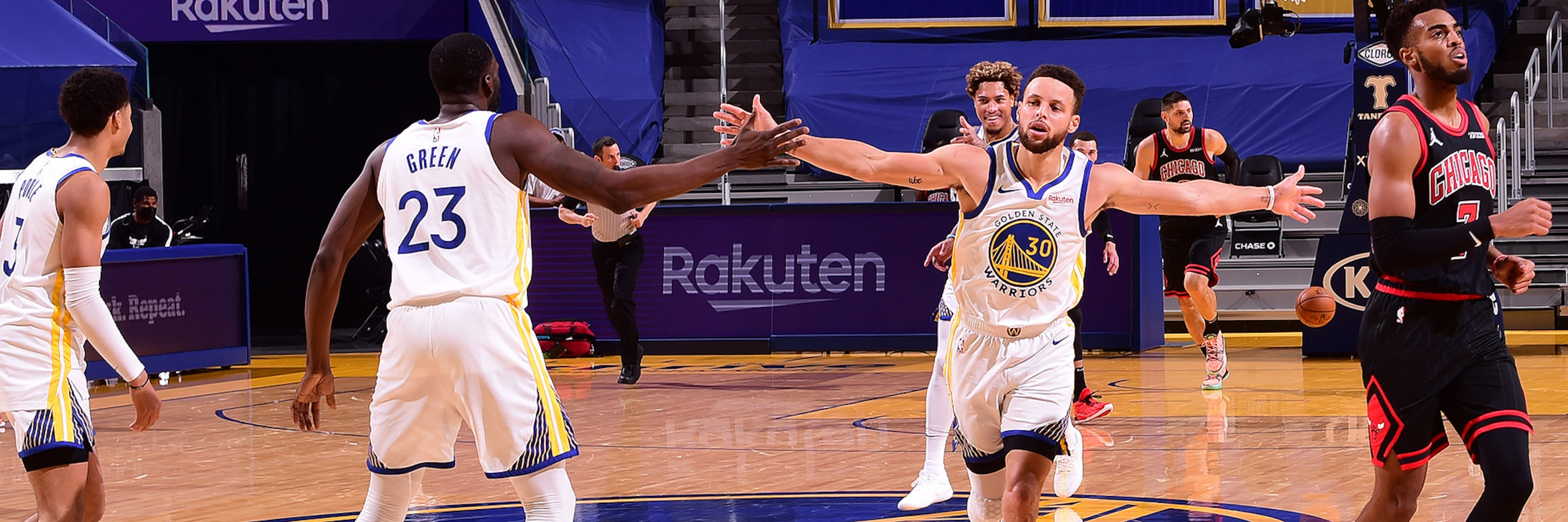 Curry Returns with 32 Points as Warriors Beat Bulls