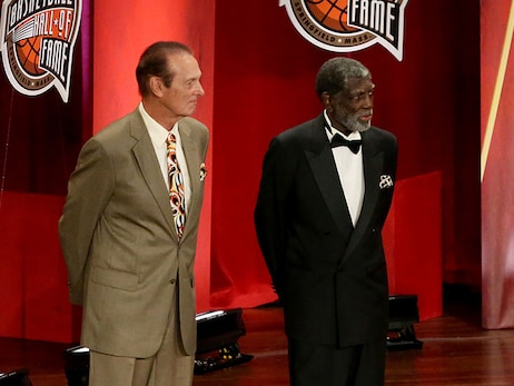 Warriors Legend Alvin Attles Inducted Into Naismith Memorial Basketball Hall of Fame
